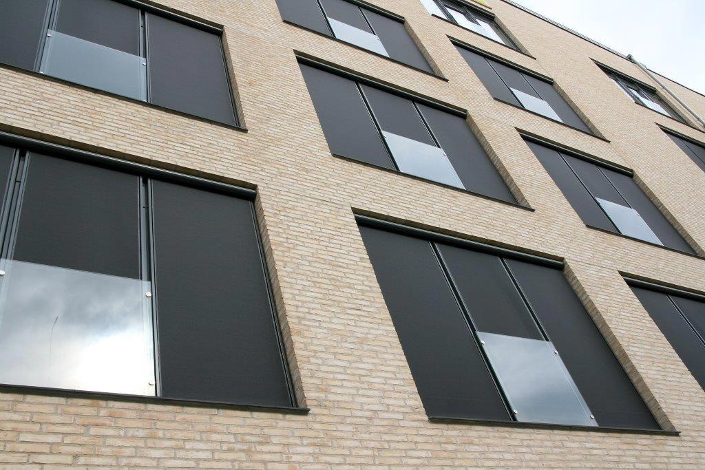 Fassadenmarkisen mit Rundkasten